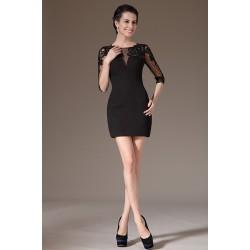 Stylové velmi přitažlivé malé krajkové zdobené výšivkou černé šaty s dlouhým rukávem