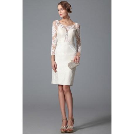 Stylové velmi přitažlivé nádherné bílé krátké šaty s dlouhým krajkovým rukávem