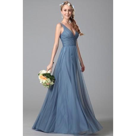 74fa0632e0ea Nové půvabné jednoduché společenské tylové modré šaty na úzká ramínka