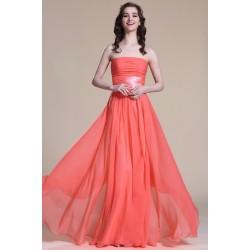 Nové elegantní a jednoduché společenské světle červené šaty bez ramínek s antickým páskem