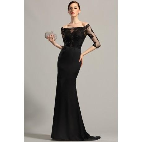 e4d3b3ea741 Společenské velmi elegantní dlouhé černé šaty s krajkovým živůtkem zdobeným  jemnými kamínky a vlečkou