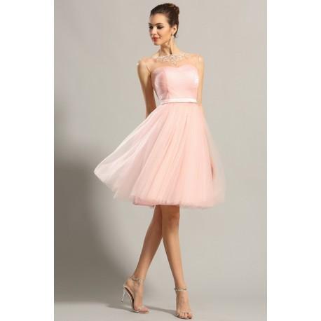 Společenské půvabné dívčí světle růžové krátké šaty z tylu a průsvitným  zdobeným dekoltem 99fb653e531