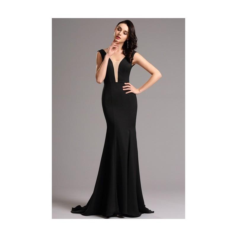 ac4b0af5cc23 ... Společenské velice elegantní a minimalistické černé dlouhé šaty s  průsvitným tylem v dekoltu ...