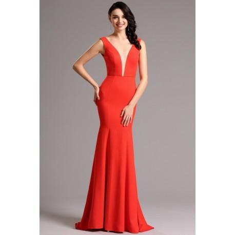 Společenské velice elegantní a minimalistické červené dlouhé šaty s průsvitným tylem v dekoltu