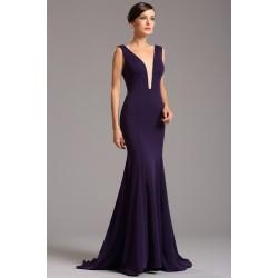 Společenské velice elegantní a minimalistické námořnicky tmavě fialové dlouhé šaty s průsvitným tylem v dekoltu