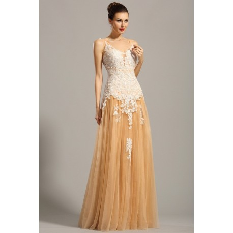 4a758daf5e88 Společenské plesové krajkové působivé a ojedinělé béžové šaty ...