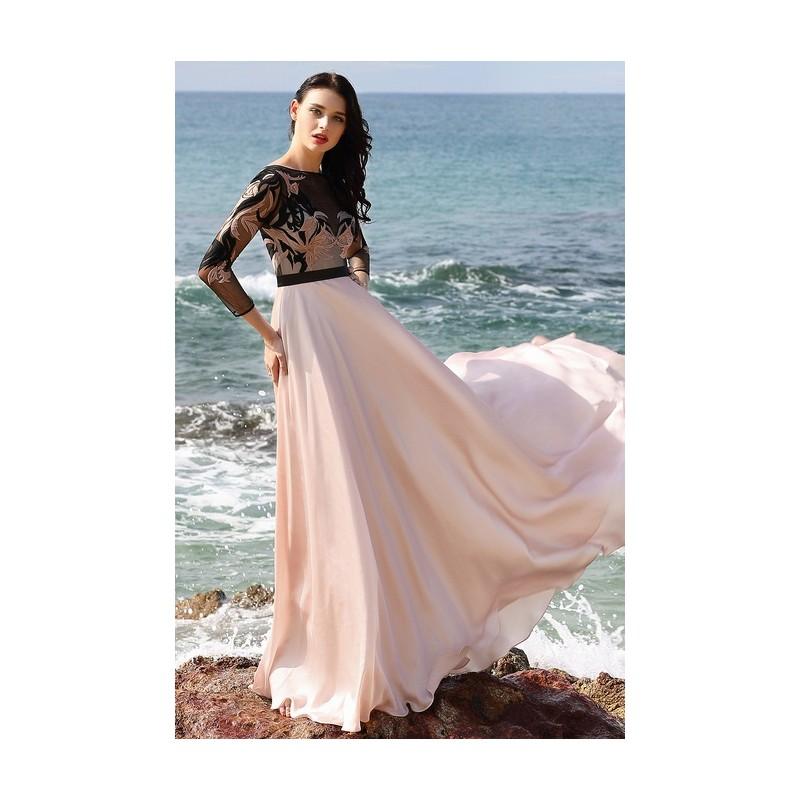 Společenské světle růžové půvabné šaty s dlouhým rukávem a krajkovou  výšivkou zdobeným živůtkem ... 680cfecc72