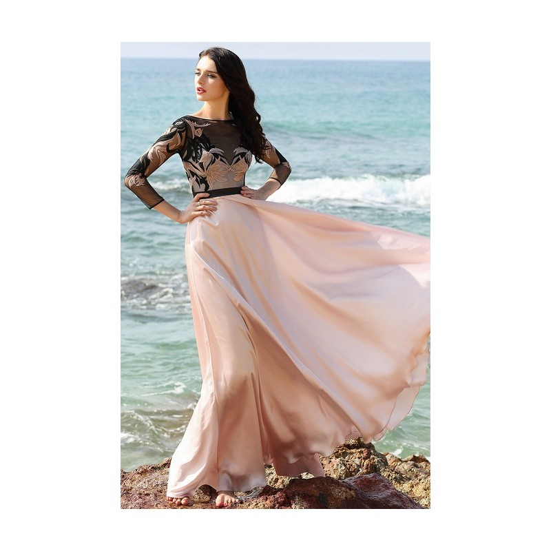 a9db95424c50 ... Společenské světle růžové půvabné šaty s dlouhým rukávem a krajkovou  výšivkou zdobeným živůtkem ...