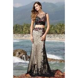 Společenské naprosto ojedinělé velice přitažlivé a krásné dvou-dílné šaty šité z krajky