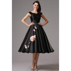 Společenské nádherné černé šaty s unikátní květinovou výšivkou na sukýnce