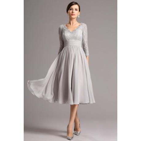 d33a41ce7973 Krajkové společenské světlounce šedé půvabné šaty pod kolena s dlouhým  rukávem
