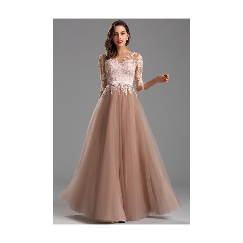 cf63be42b71 ... Krajkové společenské světlounce hnědé půvabné šaty s dlouhým rukávem a tylovou  sukní ...