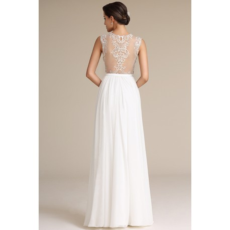 Svatební nové splývavé bílé šaty s nádherně zdobenými průsvitnými zády a véčkovým  výstřihem 77aaeaee3b
