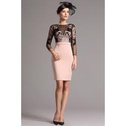 Společenské krásné krátké šaty se světle růžovou sukní a černým výšivkou zdobeným živůtkem s dlouhým rukávem