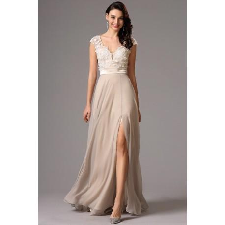 52161d197852 Společenské půvabné a přitažlivé světle béžové šaty s celokrajkovým  živůtkem a sexy odhalenými zády
