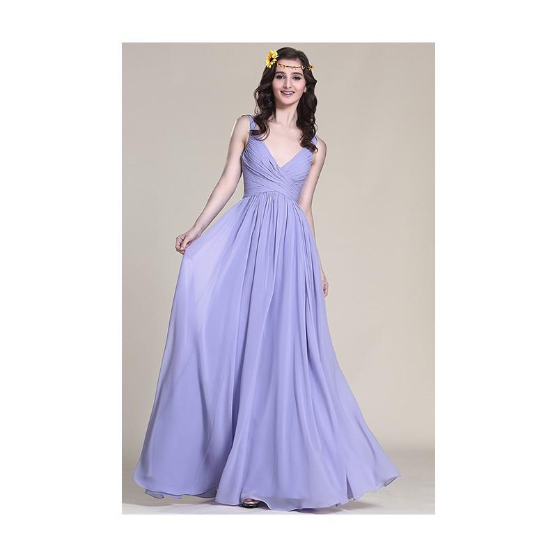 ... Společenské dlouhé romatnické lila krásné šaty s hlubším véčkovým  výstřihem a úzkými ramínky ... 794e8dfa3d