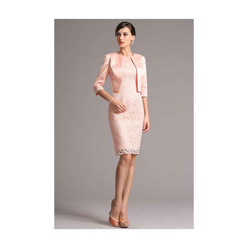 Půvabné nádherné světle růžové krajkové koktejlky se saténovám kabátkem 55c9675adac