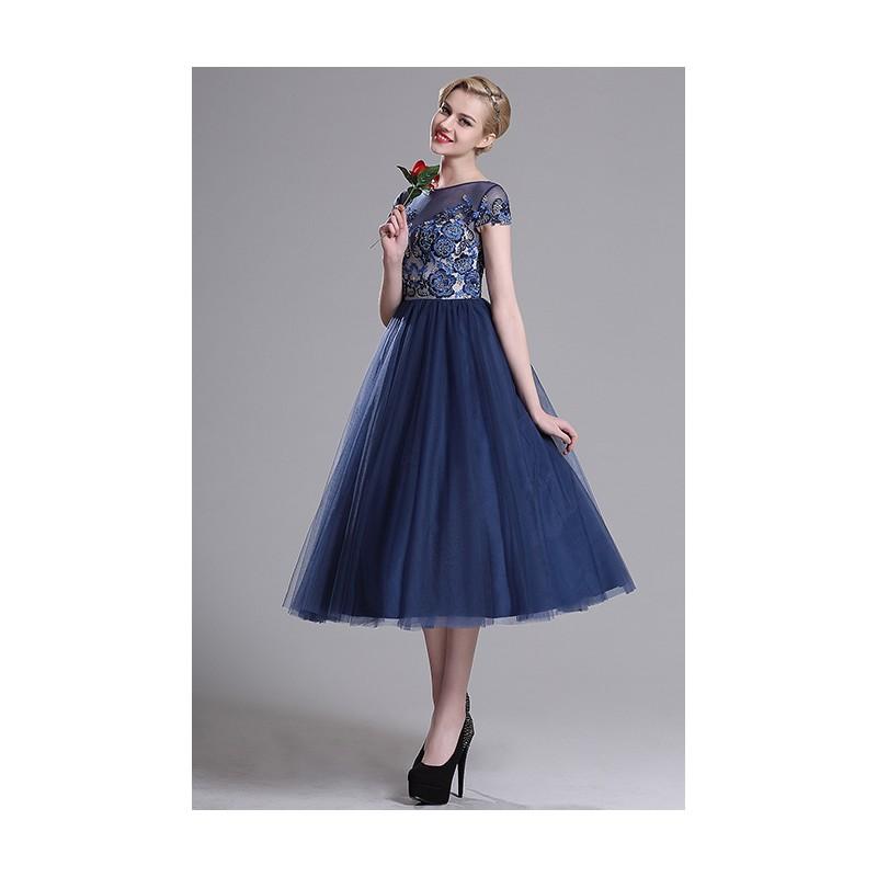 Společenské ojedinělé modré šaty s bohatou tylovou sukýnkou a zdobeným  topem krásnou krajkovou výšivkou 470cf4dadb2