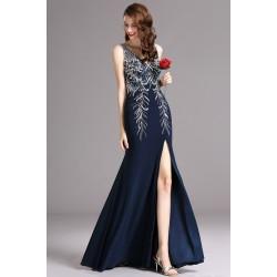 Překrásné tmavě modré šaty ručně posázeny kamínky