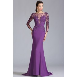 Elegantní společesnké fialové šaty s luxusně zdoeným krajkovým topem a dlouhým tylovým rukávem