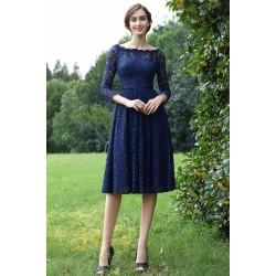 Společenské okouzlující krátké velmi slušivé modré celokrajkové šaty s dlouhým rukávem
