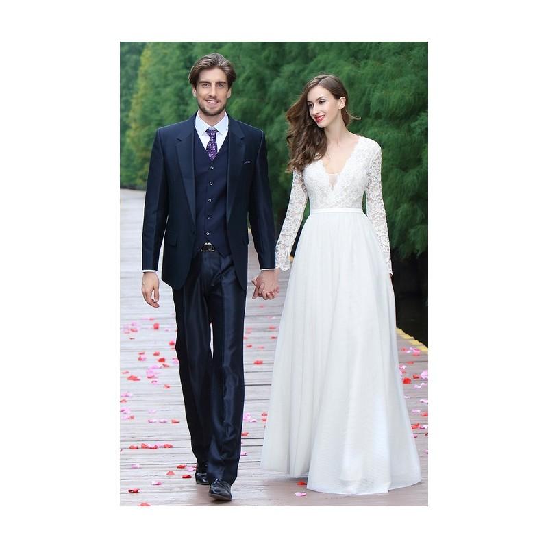94601b73a91 Svatební nové jednoduché nádherné tylové bílé šaty s dlouhým krajkovým  rukávem ...