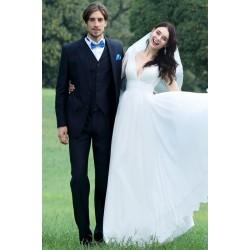 Svatební nové jednoduché šatičky s hlubokým výstřhem, na ramínka a vintage knoflíčky