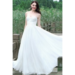 Svatební bílé jednoduché šaty bez ramínek s řaseným topem