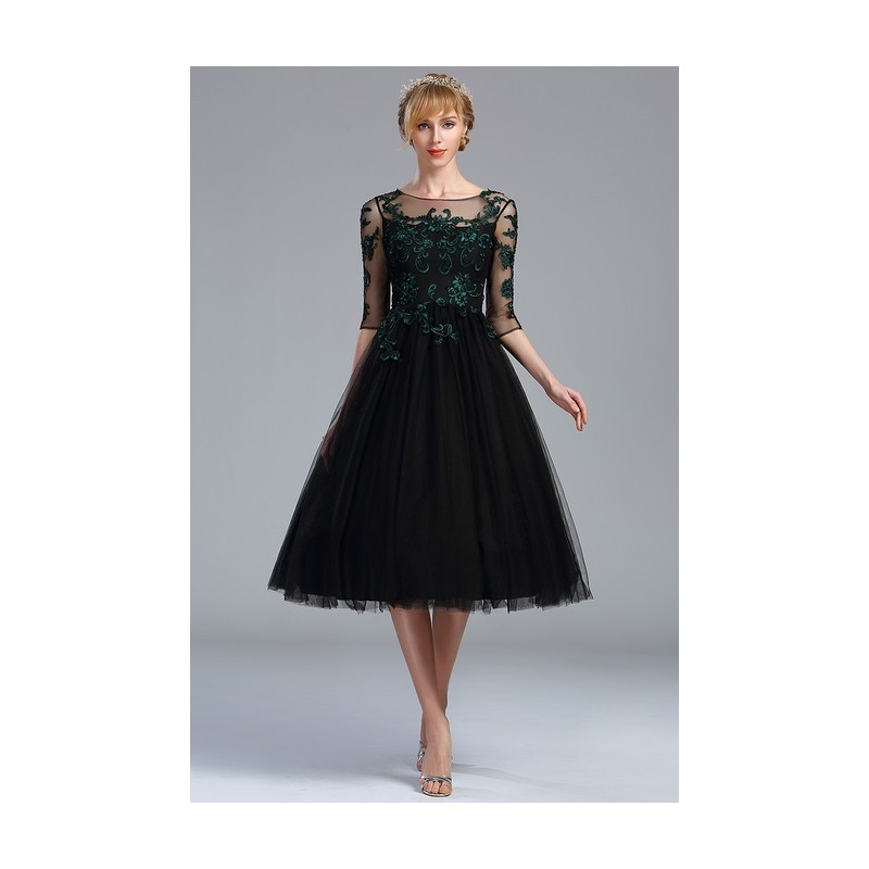... Společenské nádherné černé tylové šaty s tmavě zelenou výšivkou a dlouhým  rukávem ... 9533aea51f