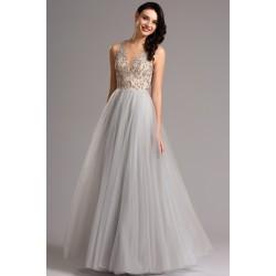 Překrásné šedé tylové šaty s bohatou sukní a topem vyšívaným ojedinělou krajkovou aplikací
