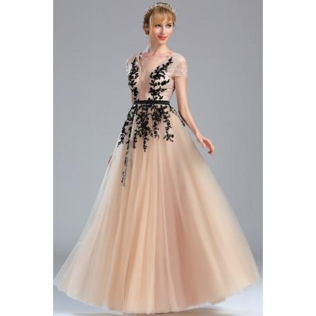 Nádherné princeznovské společenské dlouhé béžové tylové šaty zdobené černou  krajkovou aplikací a celo- krajkovým topem 63310e0e82