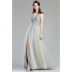 Překrásné princeznovské dlouhé světle tylové šaty s živůtkem zdobeným blýskavými kamínky a vysokým rozparkem