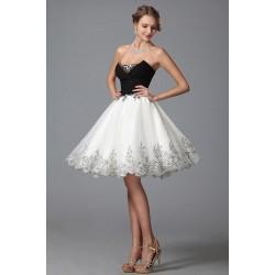 Luxusní společenské velmi svůdné a ojedinělé černo-bílé šatičky