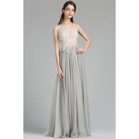 f40b22305a5 Společenské velice půvabné světle šedé šaty s tylovým živůtkem pošitým  bílou květinovou krajkou a jemnými kamínky - satysaticky.cz