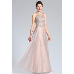 Společenské nové světle pudrové šaty s dlouhou tylovou sukní a krajkovou výšivkou zdobeným topem