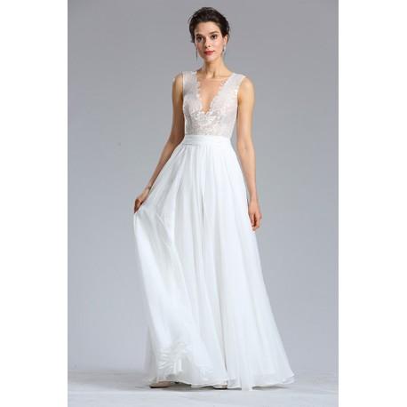 67b71783161 Společenské půvabné romantické šedomodré šaty s hlubokým sexy véčkovým  výstřihem a nádhernou průsvitnou krajkou