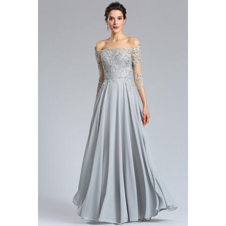70612ed50d5 Společenské jednoduché půvabné světle šedé dlouhé šaty s dlouhými  krajkovými spadlými z ramenou rukávy