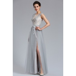 1b1ad0f2ada Společenské jednoduché půvabné tylové světle šedé dlouhé šaty s květinovým  topem