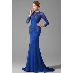 Společenské dech beroucí modré šaty se srdíčkovým výstřihem schovaným pod průsvitnou  krajkou zdobenou překrásnou aplikací a3fffd226d