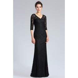 Společenské dlouhé jednoduché černé celokrajkové šaty s 3/4rukávem a véčkovým výstřihem