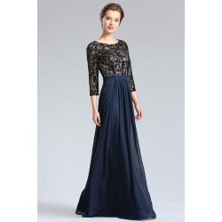 Společenské okouzlující a velice slušivé dlouhé šaty tmavě modré s černým krajkovým vrškem