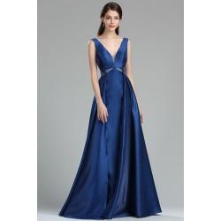 Společenské večerní jednoduché půvabné dlouhé modré šaty s véčkovým výstřihem