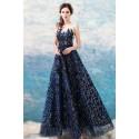 Krásné večernicové tmavě modré šaty s krajkovým topem a nadýchanou sukýnko