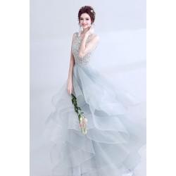 Překrásné šaty jako pro Popleku světlounce modré s vrstvenou sukní a krajkovým vrškem