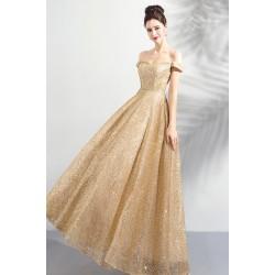 Překrásné zlaté dlouhé šaty jednoduché plesové šaty se spadlými rukávky a šněrováním na zádech