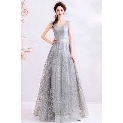 Překrásné velice působivé šedo stříbrné společenské šaty zdobené flitry a vintage šněrováním