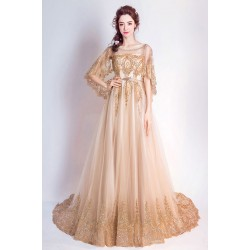 Noblesní nádherné společenské zlaté šaty krajkou a kamínky zdobeným topem, volnými rukávky a páskem