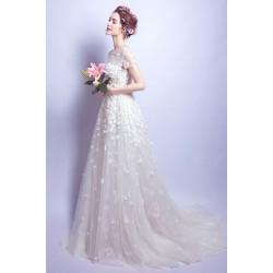 Svatební krajkové květinové dlouhé šatičky s krátkým rukávkem, dlouhou vlečkou a vintage šněrováním