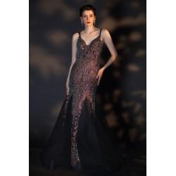 Třpytivé nádherné černo zlaté šaty pošity kamínky a flitry ve střihu mořské panny