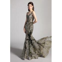 Třpytivé nádherné černé šaty vyšívané stříbrnou a zlatou nití ve střihu mořské panny